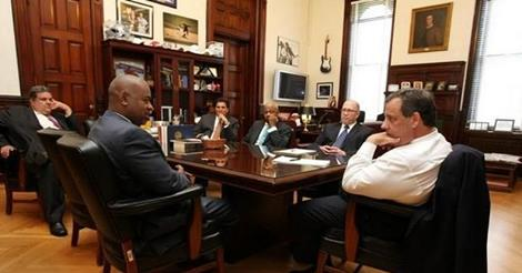Baraka meets with Christie. shortly after the mayor's election.