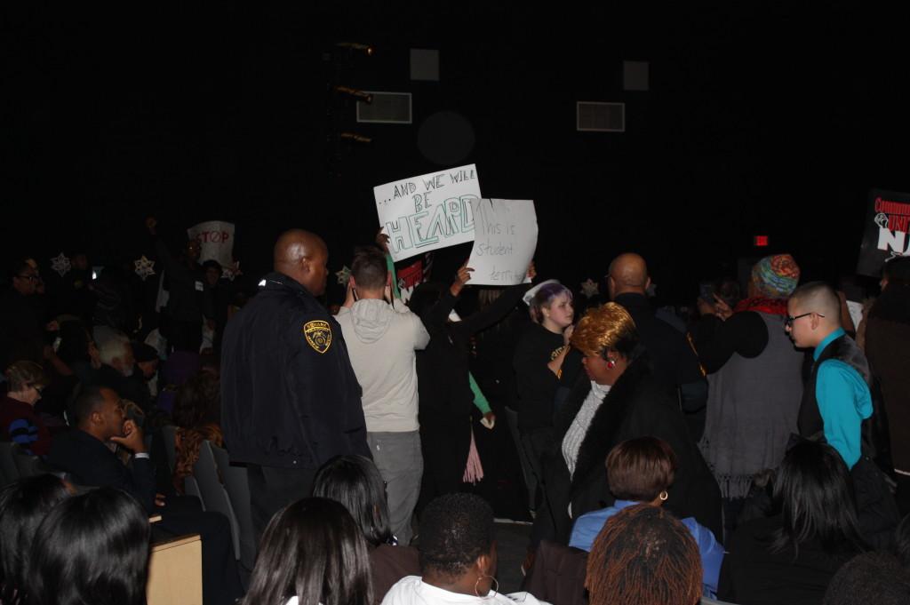 Newark students demonstrate
