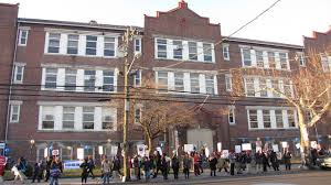 Hawthorne Avenue School--who gets to keep it?