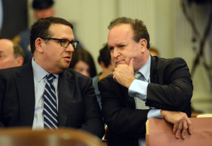 David Wildstein, left, confers with lawyer Alan Zegas. Photo by zimbio.com