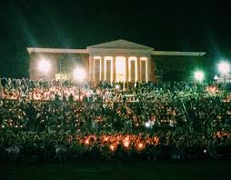 Thousands of UVA students participated in candlelight ceremony for the missing Hannah Graham